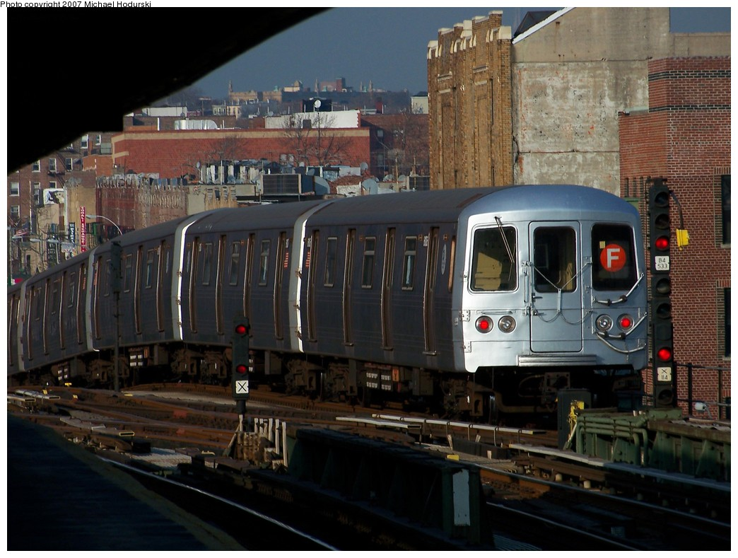 (219k, 1044x789)<br><b>Country:</b> United States<br><b>City:</b> New York<br><b>System:</b> New York City Transit<br><b>Line:</b> BMT Culver Line<br><b>Location:</b> Ditmas Avenue <br><b>Route:</b> F<br><b>Car:</b> R-46 (Pullman-Standard, 1974-75) 6106 <br><b>Photo by:</b> Michael Hodurski<br><b>Date:</b> 12/8/2007<br><b>Viewed (this week/total):</b> 2 / 1873