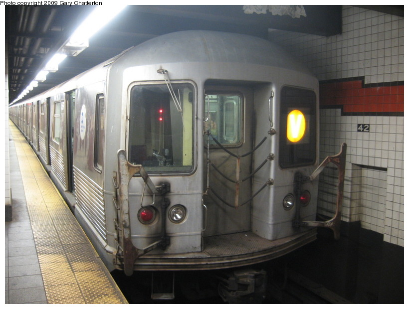 (123k, 820x620)<br><b>Country:</b> United States<br><b>City:</b> New York<br><b>System:</b> New York City Transit<br><b>Line:</b> IND 6th Avenue Line<br><b>Location:</b> 42nd Street/Bryant Park <br><b>Route:</b> V<br><b>Car:</b> R-42 (St. Louis, 1969-1970)  4569 <br><b>Photo by:</b> Gary Chatterton<br><b>Date:</b> 8/12/2009<br><b>Viewed (this week/total):</b> 1 / 543