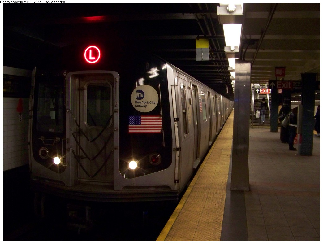 (158k, 1044x788)<br><b>Country:</b> United States<br><b>City:</b> New York<br><b>System:</b> New York City Transit<br><b>Line:</b> BMT Canarsie Line<br><b>Location:</b> Myrtle Avenue <br><b>Route:</b> L<br><b>Car:</b> R-143 (Kawasaki, 2001-2002) 8297 <br><b>Photo by:</b> Philip D'Allesandro<br><b>Date:</b> 12/8/2007<br><b>Viewed (this week/total):</b> 0 / 1579