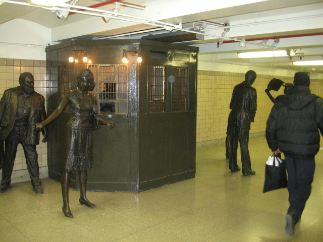 (108k, 640x480)<br><b>Country:</b> United States<br><b>City:</b> Newark, NJ<br><b>System:</b> Newark City Subway<br><b>Location:</b> Penn Station <br><b>Photo by:</b> Eli Dardis<br><b>Date:</b> 12/2/2007<br><b>Viewed (this week/total):</b> 0 / 871