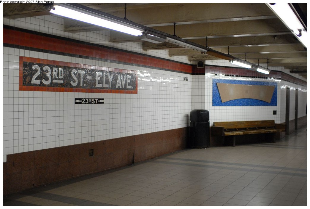 (153k, 1044x706)<br><b>Country:</b> United States<br><b>City:</b> New York<br><b>System:</b> New York City Transit<br><b>Line:</b> IND Queens Boulevard Line<br><b>Location:</b> Court Square/23rd St (Ely Avenue) <br><b>Photo by:</b> Richard Panse<br><b>Date:</b> 12/9/2007<br><b>Notes:</b> Platform view.<br><b>Viewed (this week/total):</b> 2 / 1202