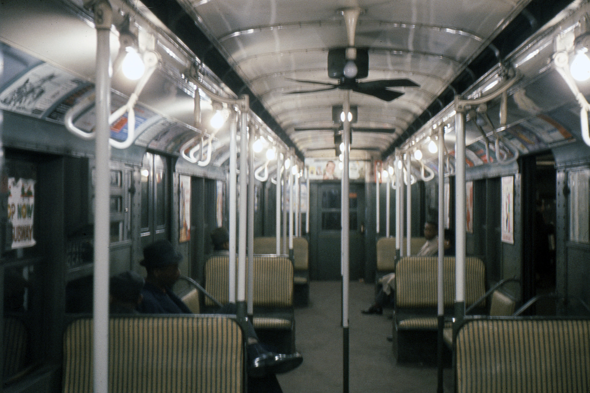 (386k, 1044x705)<br><b>Country:</b> United States<br><b>City:</b> New York<br><b>System:</b> New York City Transit<br><b>Car:</b> R-9 Series (Number Unknown) Interior <br><b>Photo by:</b> Ed Davis, Sr.<br><b>Collection of:</b> David Pirmann<br><b>Date:</b> 1/1961<br><b>Viewed (this week/total):</b> 1 / 1499