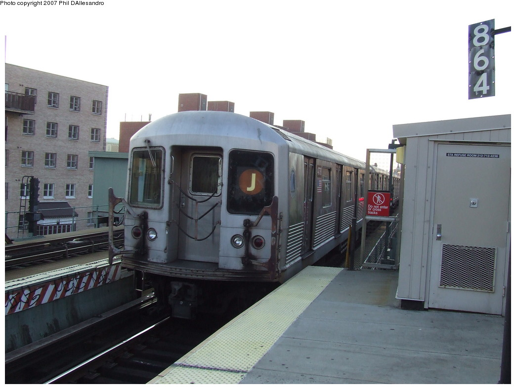 (178k, 1044x788)<br><b>Country:</b> United States<br><b>City:</b> New York<br><b>System:</b> New York City Transit<br><b>Line:</b> BMT Nassau Street/Jamaica Line<br><b>Location:</b> Lorimer Street <br><b>Route:</b> J<br><b>Car:</b> R-42 (St. Louis, 1969-1970)  4778 <br><b>Photo by:</b> John Barnes<br><b>Date:</b> 10/4/2007<br><b>Viewed (this week/total):</b> 0 / 1344