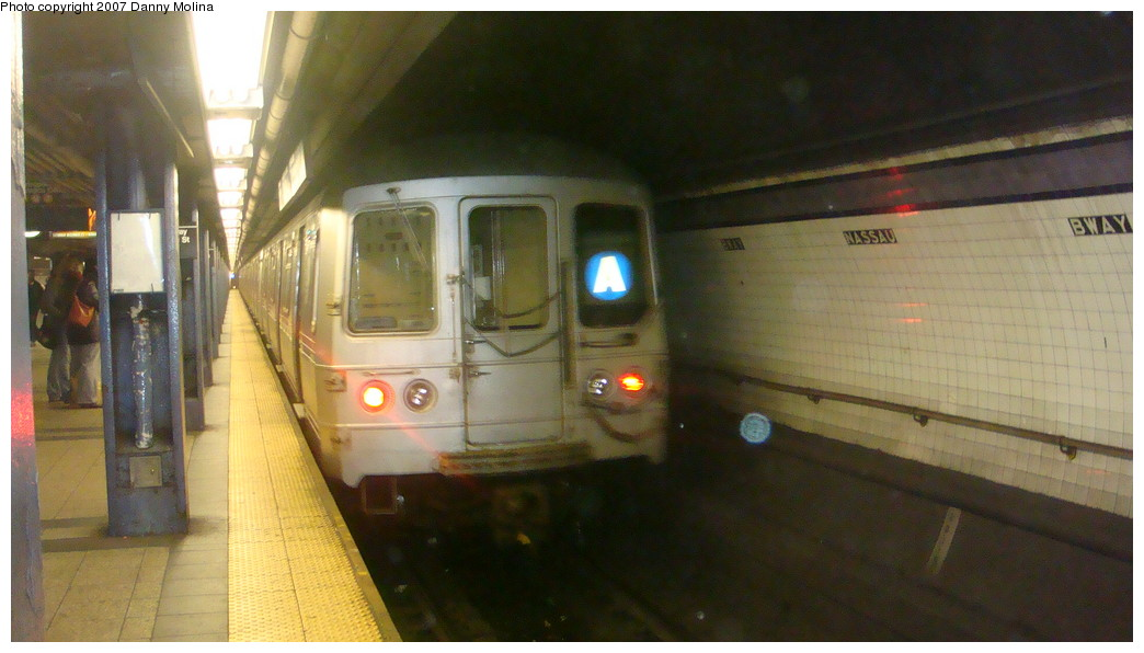 (168k, 1044x596)<br><b>Country:</b> United States<br><b>City:</b> New York<br><b>System:</b> New York City Transit<br><b>Line:</b> IND 8th Avenue Line<br><b>Location:</b> Fulton Street (Broadway/Nassau) <br><b>Route:</b> A<br><b>Car:</b> R-44 (St. Louis, 1971-73)  <br><b>Photo by:</b> Danny Molina<br><b>Date:</b> 11/28/2007<br><b>Viewed (this week/total):</b> 0 / 2373