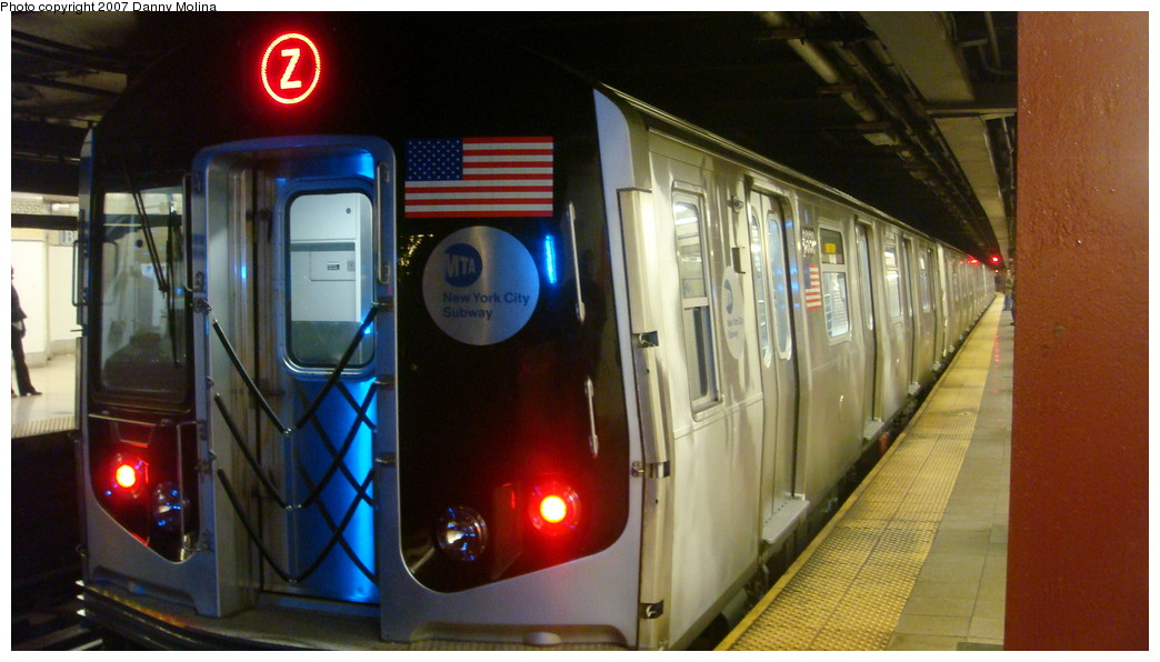 (183k, 1044x596)<br><b>Country:</b> United States<br><b>City:</b> New York<br><b>System:</b> New York City Transit<br><b>Line:</b> BMT Nassau Street/Jamaica Line<br><b>Location:</b> Broad Street <br><b>Route:</b> Z<br><b>Car:</b> R-160A-1 (Alstom, 2005-2008, 4 car sets)  8330 <br><b>Photo by:</b> Danny Molina<br><b>Date:</b> 12/1/2007<br><b>Viewed (this week/total):</b> 7 / 2949