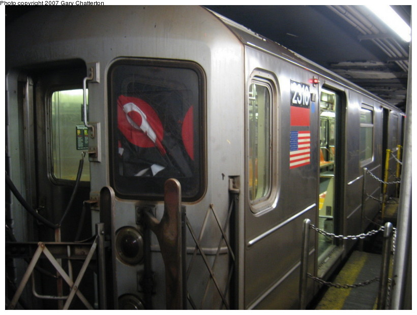 (112k, 820x620)<br><b>Country:</b> United States<br><b>City:</b> New York<br><b>System:</b> New York City Transit<br><b>Line:</b> IRT West Side Line<br><b>Location:</b> South Ferry (Outer Loop Station) <br><b>Route:</b> 1 (Broken sign)<br><b>Car:</b> R-62A (Bombardier, 1984-1987)  2310 <br><b>Photo by:</b> Gary Chatterton<br><b>Date:</b> 12/18/2007<br><b>Viewed (this week/total):</b> 1 / 3890