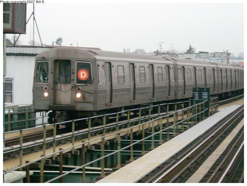 (171k, 819x619)<br><b>Country:</b> United States<br><b>City:</b> New York<br><b>System:</b> New York City Transit<br><b>Line:</b> BMT West End Line<br><b>Location:</b> 62nd Street <br><b>Route:</b> D<br><b>Car:</b> R-68 (Westinghouse-Amrail, 1986-1988)   <br><b>Photo by:</b> Bill E.<br><b>Date:</b> 12/22/2007<br><b>Viewed (this week/total):</b> 1 / 878