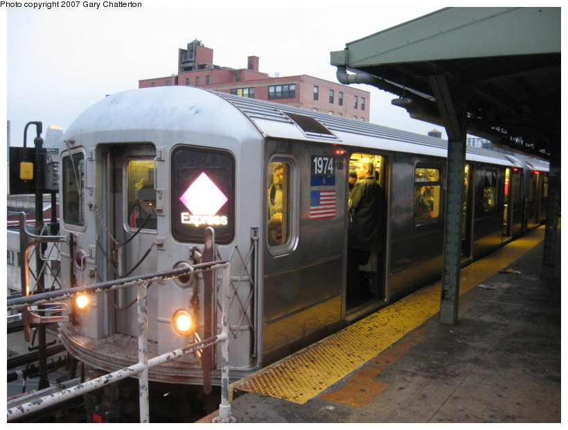 (135k, 820x620)<br><b>Country:</b> United States<br><b>City:</b> New York<br><b>System:</b> New York City Transit<br><b>Line:</b> IRT Flushing Line<br><b>Location:</b> Queensborough Plaza <br><b>Route:</b> 7<br><b>Car:</b> R-62A (Bombardier, 1984-1987)  1974 <br><b>Photo by:</b> Gary Chatterton<br><b>Date:</b> 11/26/2007<br><b>Viewed (this week/total):</b> 0 / 1782