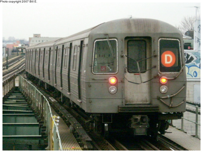 (155k, 820x620)<br><b>Country:</b> United States<br><b>City:</b> New York<br><b>System:</b> New York City Transit<br><b>Line:</b> BMT West End Line<br><b>Location:</b> 62nd Street <br><b>Route:</b> D<br><b>Car:</b> R-68 (Westinghouse-Amrail, 1986-1988)   <br><b>Photo by:</b> Bill E.<br><b>Date:</b> 12/22/2007<br><b>Viewed (this week/total):</b> 2 / 981
