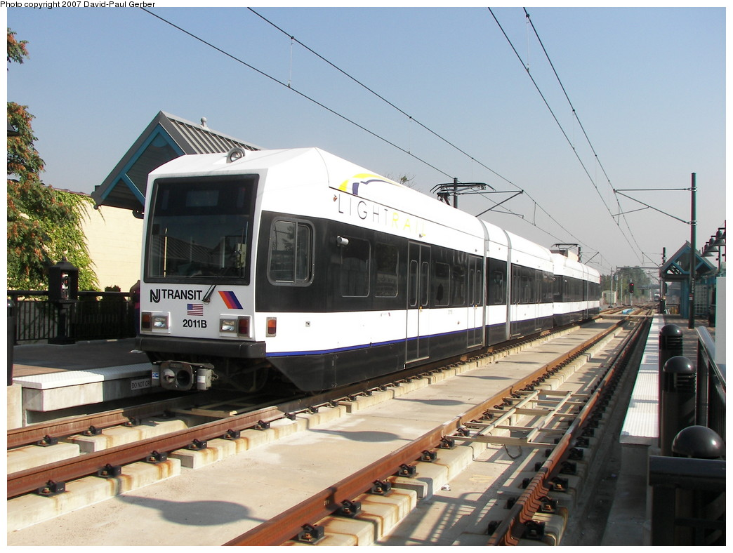 (264k, 1044x788)<br><b>Country:</b> United States<br><b>City:</b> Bayonne, NJ<br><b>System:</b> Hudson Bergen Light Rail<br><b>Location:</b> East 22nd Street <br><b>Car:</b> NJT-HBLR LRV (Kinki-Sharyo, 1998-99)  2011 <br><b>Photo by:</b> David-Paul Gerber<br><b>Date:</b> 9/21/2007<br><b>Viewed (this week/total):</b> 2 / 1161