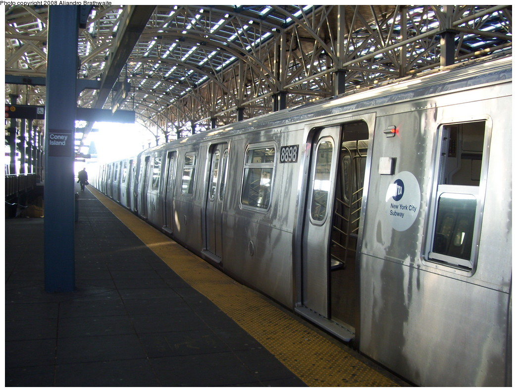 (259k, 1044x791)<br><b>Country:</b> United States<br><b>City:</b> New York<br><b>System:</b> New York City Transit<br><b>Location:</b> Coney Island/Stillwell Avenue<br><b>Route:</b> N<br><b>Car:</b> R-160B (Kawasaki, 2005-2008)  8898 <br><b>Photo by:</b> Aliandro Brathwaite<br><b>Date:</b> 12/24/2007<br><b>Viewed (this week/total):</b> 1 / 2080