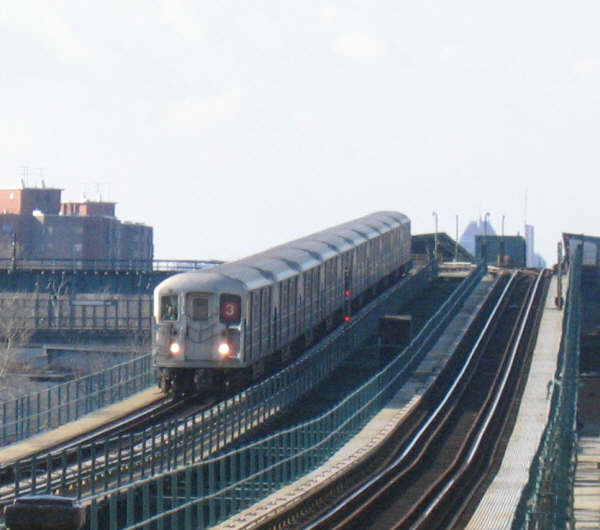 (38k, 600x530)<br><b>Country:</b> United States<br><b>City:</b> New York<br><b>System:</b> New York City Transit<br><b>Line:</b> IRT Brooklyn Line<br><b>Location:</b> Pennsylvania Avenue <br><b>Route:</b> 3<br><b>Car:</b> R-62 (Kawasaki, 1983-1985)   <br><b>Photo by:</b> Professor J<br><b>Date:</b> 12/31/2007<br><b>Viewed (this week/total):</b> 2 / 2316