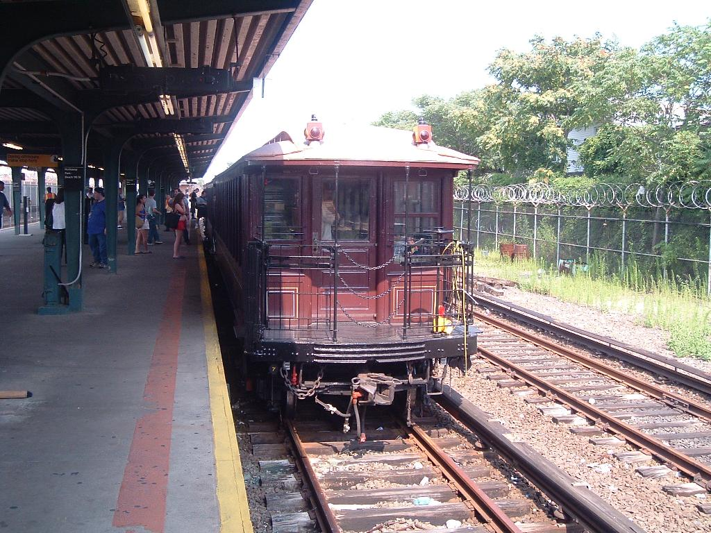 (187k, 1024x768)<br><b>Country:</b> United States<br><b>City:</b> New York<br><b>System:</b> New York City Transit<br><b>Line:</b> IND Rockaway<br><b>Location:</b> Rockaway Park/Beach 116th Street <br><b>Route:</b> Fan Trip<br><b>Car:</b> BMT Elevated Gate Car 1404 <br><b>Photo by:</b> Chris Reidy<br><b>Date:</b> 7/17/2004<br><b>Viewed (this week/total):</b> 3 / 1176