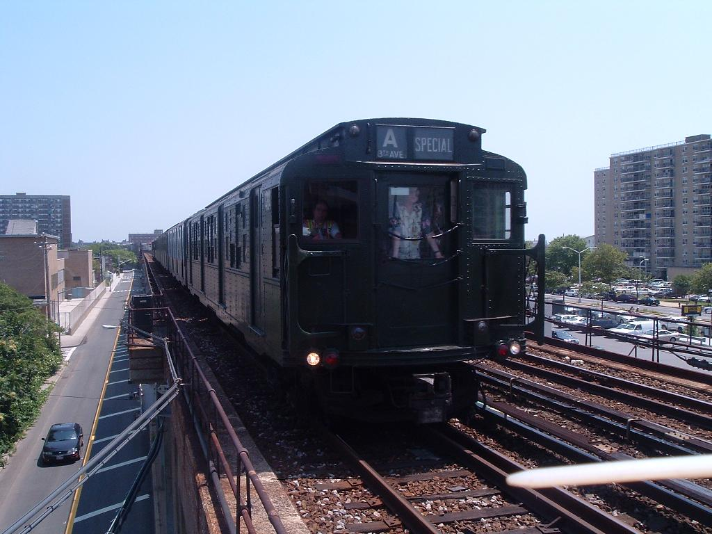 (119k, 1024x768)<br><b>Country:</b> United States<br><b>City:</b> New York<br><b>System:</b> New York City Transit<br><b>Line:</b> IND Rockaway<br><b>Location:</b> Beach 105th Street/Seaside <br><b>Route:</b> Fan Trip<br><b>Car:</b> R-4 (American Car & Foundry, 1932-1933) 484 <br><b>Photo by:</b> Chris Reidy<br><b>Date:</b> 7/17/2004<br><b>Viewed (this week/total):</b> 0 / 970