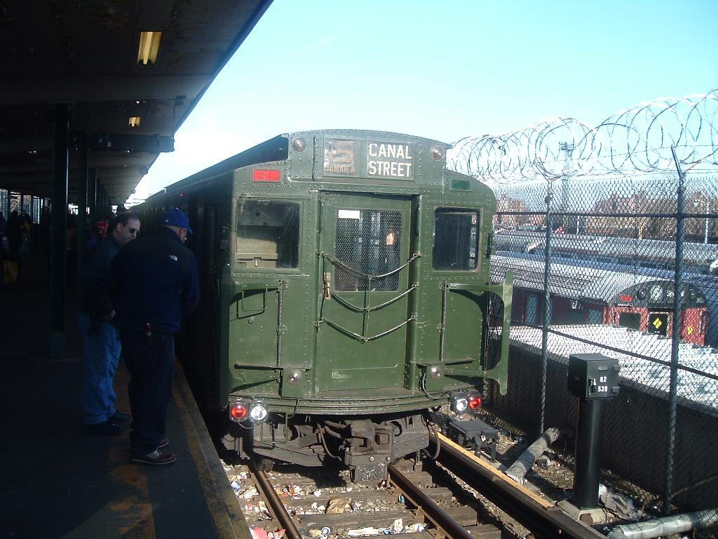 (140k, 1024x768)<br><b>Country:</b> United States<br><b>City:</b> New York<br><b>System:</b> New York City Transit<br><b>Line:</b> BMT Canarsie Line<br><b>Location:</b> Rockaway Parkway <br><b>Route:</b> Fan Trip<br><b>Car:</b> R-9 (Pressed Steel, 1940)  1802 <br><b>Photo by:</b> Chris Reidy<br><b>Date:</b> 11/2005<br><b>Viewed (this week/total):</b> 1 / 972