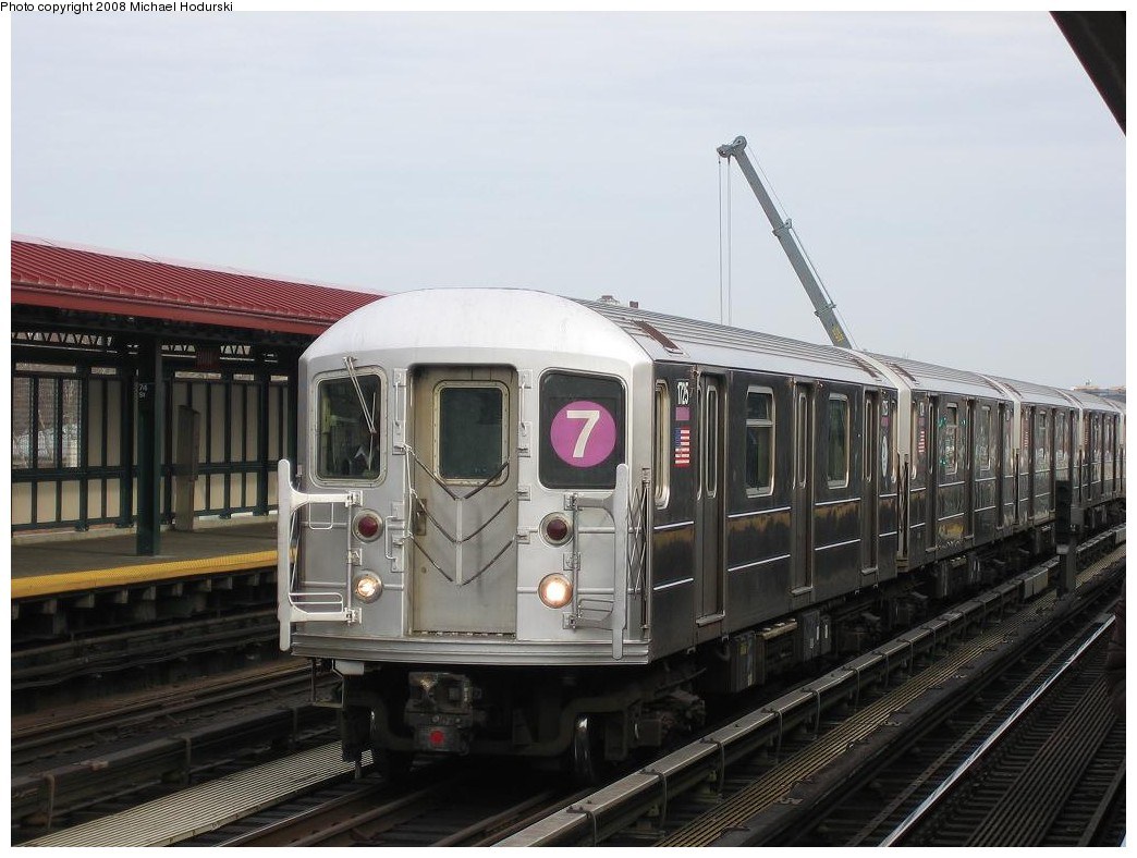 (180k, 1044x788)<br><b>Country:</b> United States<br><b>City:</b> New York<br><b>System:</b> New York City Transit<br><b>Line:</b> IRT Flushing Line<br><b>Location:</b> 74th Street/Broadway <br><b>Route:</b> 7<br><b>Car:</b> R-62A (Bombardier, 1984-1987)  1725 <br><b>Photo by:</b> Michael Hodurski<br><b>Date:</b> 12/30/2007<br><b>Viewed (this week/total):</b> 2 / 992
