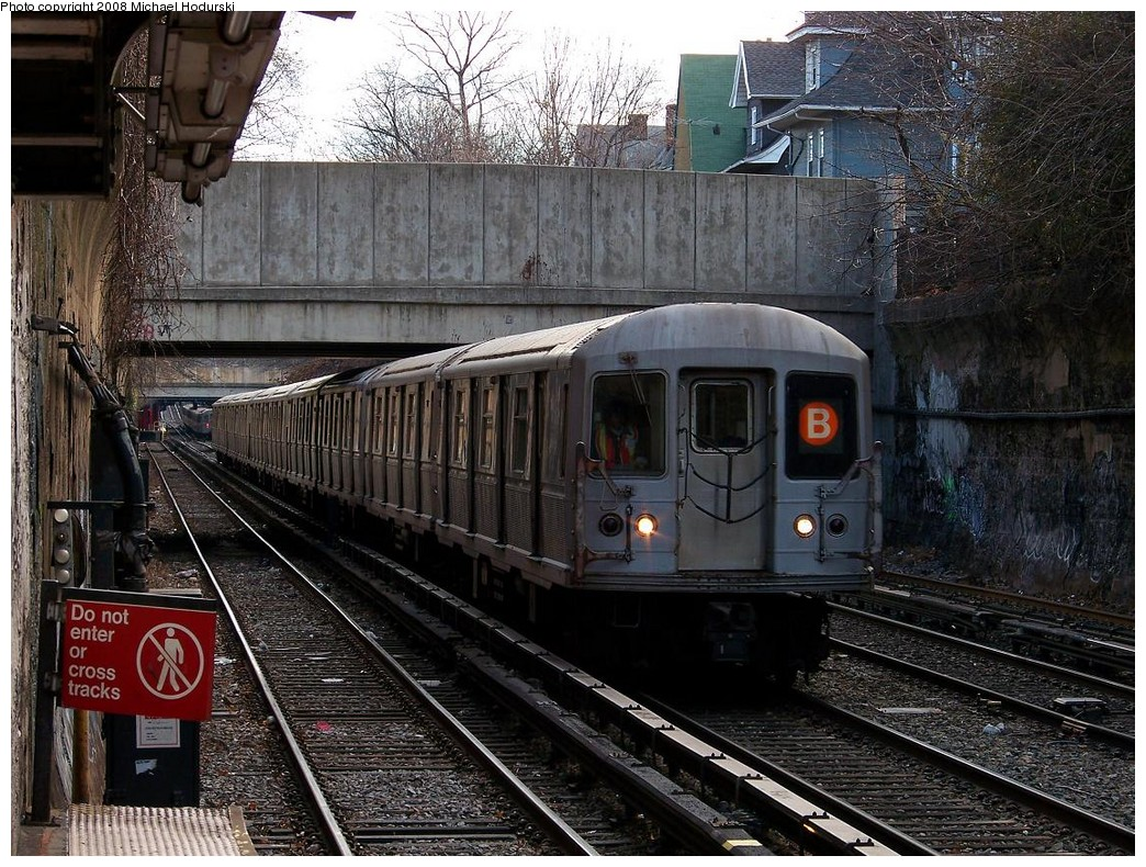 (304k, 1044x790)<br><b>Country:</b> United States<br><b>City:</b> New York<br><b>System:</b> New York City Transit<br><b>Line:</b> BMT Brighton Line<br><b>Location:</b> Newkirk Plaza (fmrly Newkirk Ave.) <br><b>Route:</b> B<br><b>Car:</b> R-40M (St. Louis, 1969)  4544 <br><b>Photo by:</b> Michael Hodurski<br><b>Date:</b> 12/24/2007<br><b>Viewed (this week/total):</b> 0 / 1247