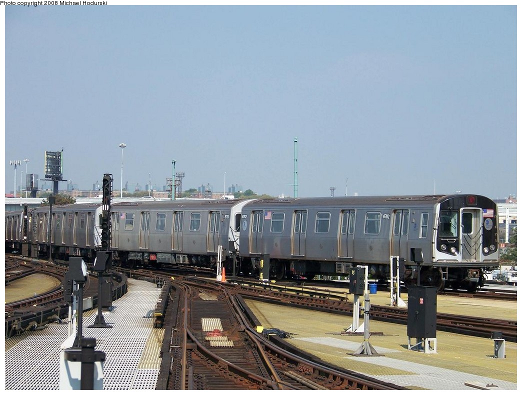(218k, 1044x790)<br><b>Country:</b> United States<br><b>City:</b> New York<br><b>System:</b> New York City Transit<br><b>Location:</b> Coney Island/Stillwell Avenue<br><b>Route:</b> N<br><b>Car:</b> R-160B (Kawasaki, 2005-2008)  8782 <br><b>Photo by:</b> Michael Hodurski<br><b>Date:</b> 10/6/2007<br><b>Viewed (this week/total):</b> 2 / 1352