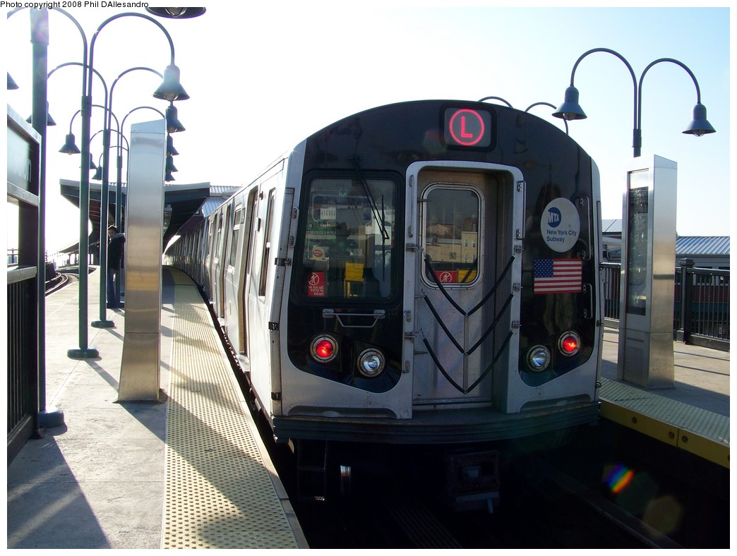 (198k, 1044x788)<br><b>Country:</b> United States<br><b>City:</b> New York<br><b>System:</b> New York City Transit<br><b>Line:</b> BMT Canarsie Line<br><b>Location:</b> Broadway Junction <br><b>Route:</b> L<br><b>Car:</b> R-143 (Kawasaki, 2001-2002) 8184 <br><b>Photo by:</b> Philip D'Allesandro<br><b>Date:</b> 12/28/2007<br><b>Viewed (this week/total):</b> 0 / 1917