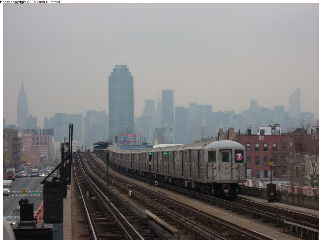 (199k, 1044x788)<br><b>Country:</b> United States<br><b>City:</b> New York<br><b>System:</b> New York City Transit<br><b>Line:</b> IRT Flushing Line<br><b>Location:</b> 46th Street/Bliss Street <br><b>Route:</b> 7<br><b>Car:</b> R-62A (Bombardier, 1984-1987)   <br><b>Photo by:</b> Zach Summer<br><b>Date:</b> 12/11/2007<br><b>Viewed (this week/total):</b> 1 / 858