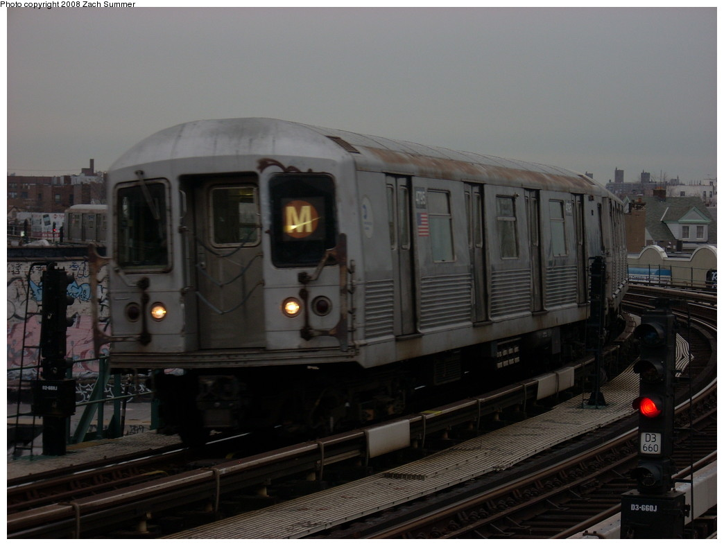 (201k, 1044x788)<br><b>Country:</b> United States<br><b>City:</b> New York<br><b>System:</b> New York City Transit<br><b>Line:</b> BMT West End Line<br><b>Location:</b> 18th Avenue <br><b>Route:</b> M<br><b>Car:</b> R-42 (St. Louis, 1969-1970)  4795 <br><b>Photo by:</b> Zach Summer<br><b>Date:</b> 12/11/2007<br><b>Viewed (this week/total):</b> 3 / 1257