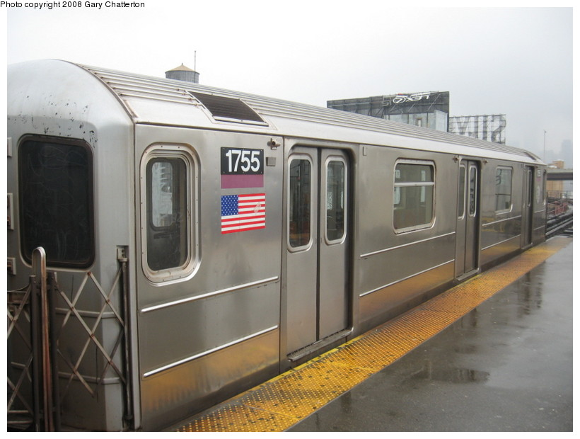 (111k, 820x620)<br><b>Country:</b> United States<br><b>City:</b> New York<br><b>System:</b> New York City Transit<br><b>Line:</b> IRT Flushing Line<br><b>Location:</b> Queensborough Plaza <br><b>Route:</b> 7<br><b>Car:</b> R-62A (Bombardier, 1984-1987)  1744 <br><b>Photo by:</b> Gary Chatterton<br><b>Date:</b> 12/27/2007<br><b>Viewed (this week/total):</b> 2 / 1035