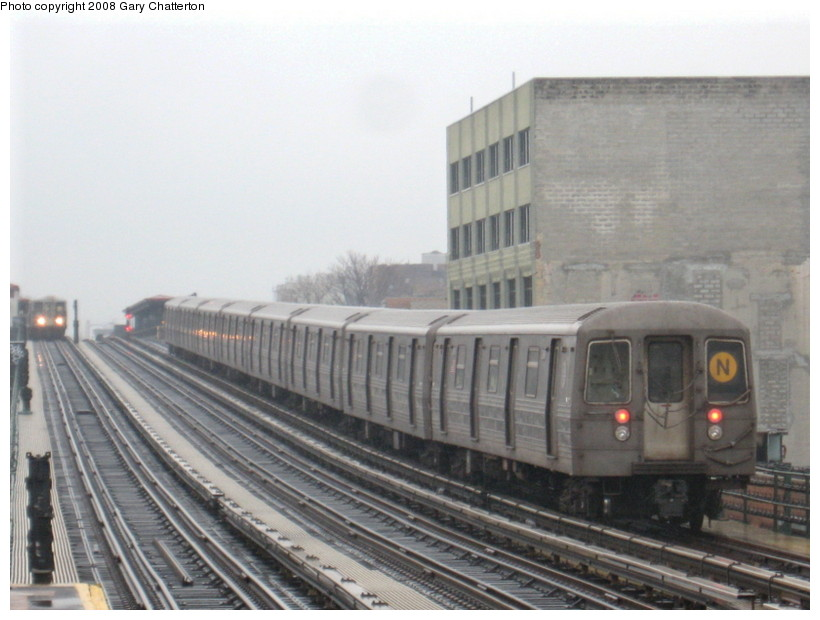(117k, 820x620)<br><b>Country:</b> United States<br><b>City:</b> New York<br><b>System:</b> New York City Transit<br><b>Line:</b> BMT Astoria Line<br><b>Location:</b> 39th/Beebe Aves. <br><b>Route:</b> N<br><b>Car:</b> R-68 (Westinghouse-Amrail, 1986-1988)  2848 <br><b>Photo by:</b> Gary Chatterton<br><b>Date:</b> 12/27/2007<br><b>Viewed (this week/total):</b> 3 / 1368