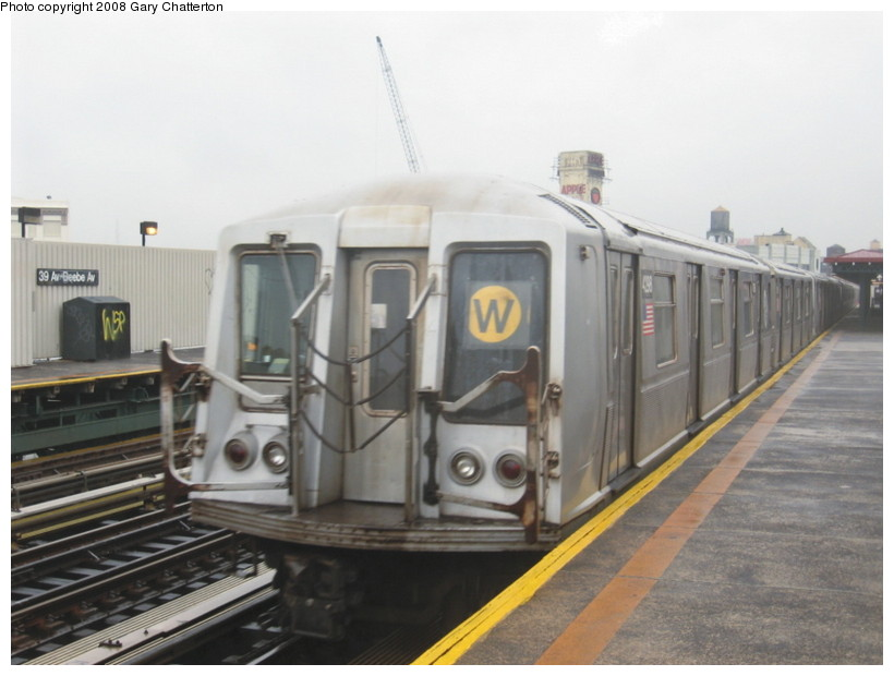 (106k, 820x620)<br><b>Country:</b> United States<br><b>City:</b> New York<br><b>System:</b> New York City Transit<br><b>Line:</b> BMT Astoria Line<br><b>Location:</b> 39th/Beebe Aves. <br><b>Route:</b> W<br><b>Car:</b> R-40 (St. Louis, 1968)  4298 <br><b>Photo by:</b> Gary Chatterton<br><b>Date:</b> 12/27/2007<br><b>Viewed (this week/total):</b> 1 / 739