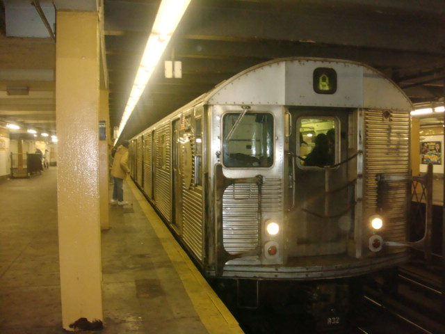 (83k, 640x480)<br><b>Country:</b> United States<br><b>City:</b> New York<br><b>System:</b> New York City Transit<br><b>Line:</b> IND Fulton Street Line<br><b>Location:</b> Nostrand Avenue <br><b>Route:</b> A<br><b>Car:</b> R-32 (Budd, 1964)  3644 <br><b>Photo by:</b> Danny Molina<br><b>Date:</b> 1/9/2008<br><b>Viewed (this week/total):</b> 0 / 1770