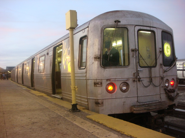 (96k, 640x480)<br><b>Country:</b> United States<br><b>City:</b> New York<br><b>System:</b> New York City Transit<br><b>Line:</b> IND Crosstown Line<br><b>Location:</b> Smith/9th Street <br><b>Route:</b> G<br><b>Car:</b> R-46 (Pullman-Standard, 1974-75) 6230 <br><b>Photo by:</b> Danny Molina<br><b>Date:</b> 1/9/2008<br><b>Viewed (this week/total):</b> 3 / 1742