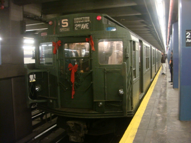 (96k, 640x480)<br><b>Country:</b> United States<br><b>City:</b> New York<br><b>System:</b> New York City Transit<br><b>Line:</b> IND 6th Avenue Line<br><b>Location:</b> 2nd Avenue <br><b>Route:</b> Museum Train Service (V)<br><b>Car:</b> R-9 (Pressed Steel, 1940)  1802 <br><b>Photo by:</b> Danny Molina<br><b>Date:</b> 12/31/2007<br><b>Notes:</b> Nostalgia train service.<br><b>Viewed (this week/total):</b> 1 / 1109