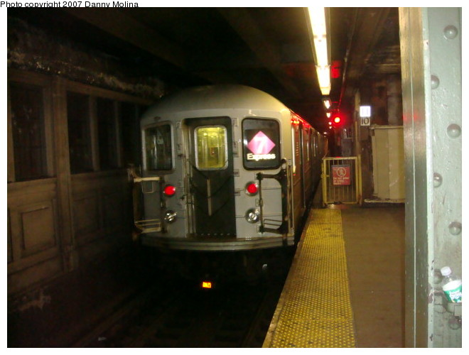(87k, 660x500)<br><b>Country:</b> United States<br><b>City:</b> New York<br><b>System:</b> New York City Transit<br><b>Line:</b> IRT Flushing Line<br><b>Location:</b> Queensborough Plaza <br><b>Route:</b> 7<br><b>Car:</b> R-62A (Bombardier, 1984-1987)  1820 <br><b>Photo by:</b> Danny Molina<br><b>Date:</b> 12/27/2007<br><b>Viewed (this week/total):</b> 4 / 1301