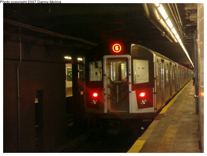 (82k, 660x500)<br><b>Country:</b> United States<br><b>City:</b> New York<br><b>System:</b> New York City Transit<br><b>Line:</b> IRT East Side Line<br><b>Location:</b> 68th Street <br><b>Route:</b> 6<br><b>Car:</b> R-142A (Primary Order, Kawasaki, 1999-2002)  7425 <br><b>Photo by:</b> Danny Molina<br><b>Date:</b> 12/28/2007<br><b>Viewed (this week/total):</b> 2 / 2249