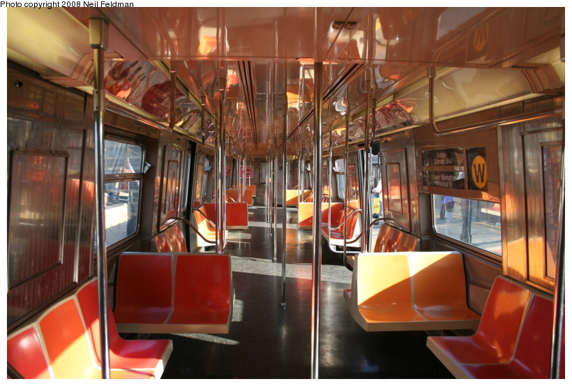 (151k, 820x553)<br><b>Country:</b> United States<br><b>City:</b> New York<br><b>System:</b> New York City Transit<br><b>Car:</b> R-68A (Kawasaki, 1988-1989)  5198 <br><b>Photo by:</b> Neil Feldman<br><b>Date:</b> 12/28/2007<br><b>Viewed (this week/total):</b> 0 / 1372