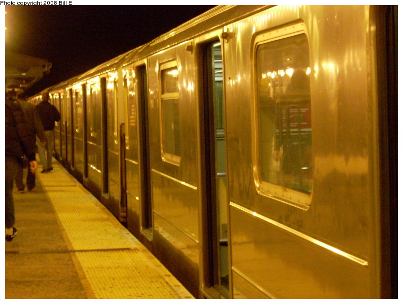 (168k, 819x619)<br><b>Country:</b> United States<br><b>City:</b> New York<br><b>System:</b> New York City Transit<br><b>Line:</b> IRT Flushing Line<br><b>Location:</b> 61st Street/Woodside <br><b>Route:</b> 7<br><b>Car:</b> R-62A (Bombardier, 1984-1987)   <br><b>Photo by:</b> Bill E.<br><b>Date:</b> 1/13/2008<br><b>Viewed (this week/total):</b> 0 / 855