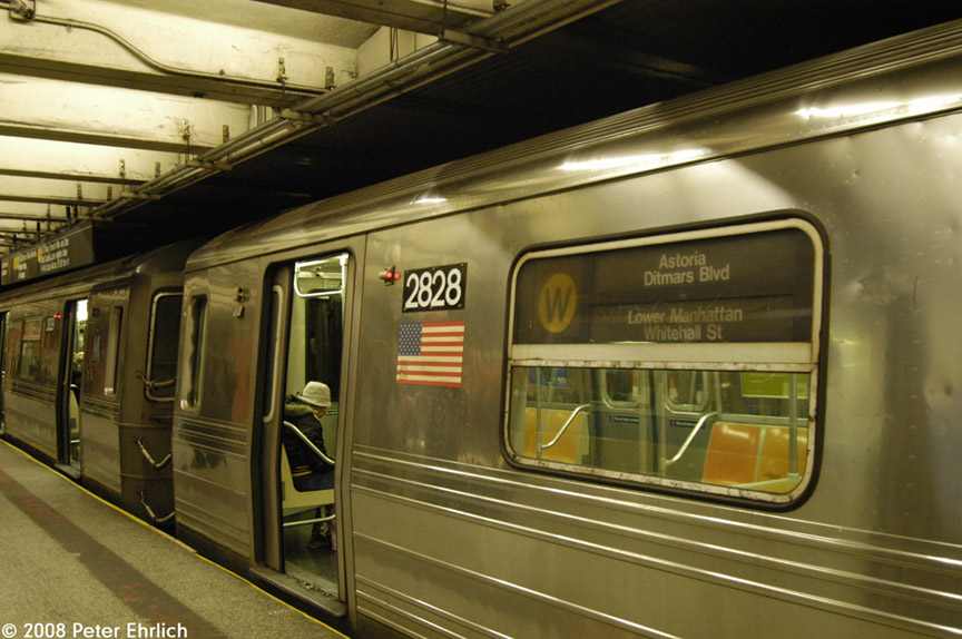 (185k, 864x574)<br><b>Country:</b> United States<br><b>City:</b> New York<br><b>System:</b> New York City Transit<br><b>Line:</b> BMT Broadway Line<br><b>Location:</b> 49th Street <br><b>Route:</b> W<br><b>Car:</b> R-68 (Westinghouse-Amrail, 1986-1988)  2828 <br><b>Photo by:</b> Peter Ehrlich<br><b>Date:</b> 1/3/2008<br><b>Notes:</b> 49th Street northbound.<br><b>Viewed (this week/total):</b> 0 / 2581