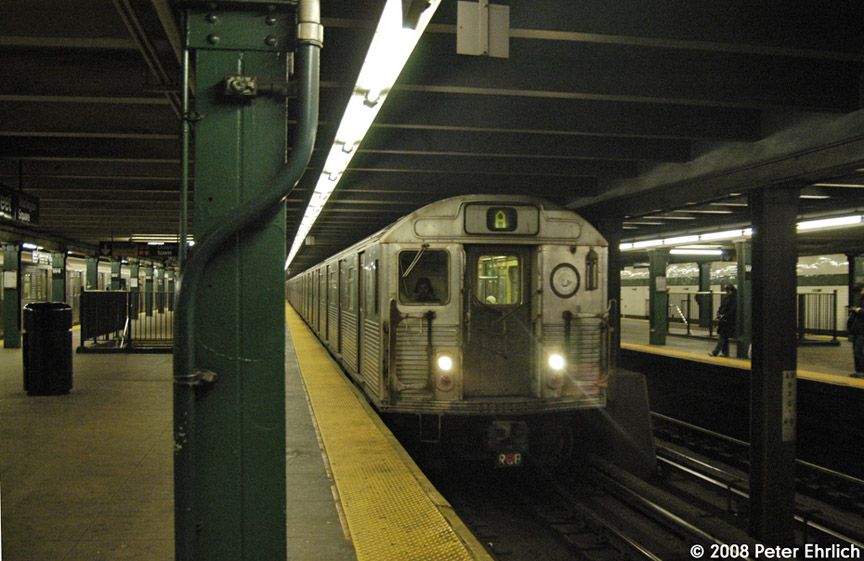 (179k, 864x561)<br><b>Country:</b> United States<br><b>City:</b> New York<br><b>System:</b> New York City Transit<br><b>Line:</b> IND 8th Avenue Line<br><b>Location:</b> West 4th Street/Washington Square <br><b>Route:</b> A<br><b>Car:</b> R-38 (St. Louis, 1966-1967)  3952 <br><b>Photo by:</b> Peter Ehrlich<br><b>Date:</b> 1/3/2008<br><b>Notes:</b> West 4th Street northbound.<br><b>Viewed (this week/total):</b> 1 / 1837