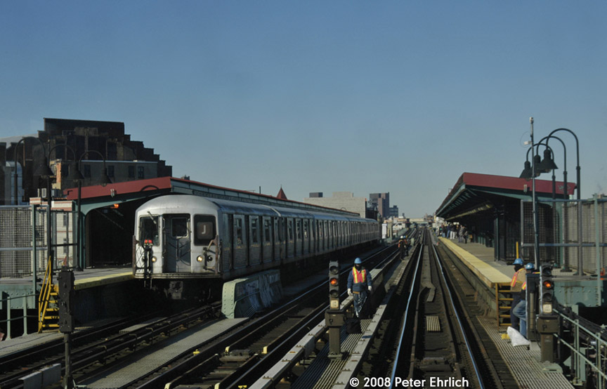 (146k, 864x554)<br><b>Country:</b> United States<br><b>City:</b> New York<br><b>System:</b> New York City Transit<br><b>Line:</b> BMT Nassau Street/Jamaica Line<br><b>Location:</b> Gates Avenue <br><b>Route:</b> J<br><b>Car:</b> R-42 (St. Louis, 1969-1970)  4802 <br><b>Photo by:</b> Peter Ehrlich<br><b>Date:</b> 1/3/2008<br><b>Notes:</b> Gates Avenue outbound.<br><b>Viewed (this week/total):</b> 5 / 1601