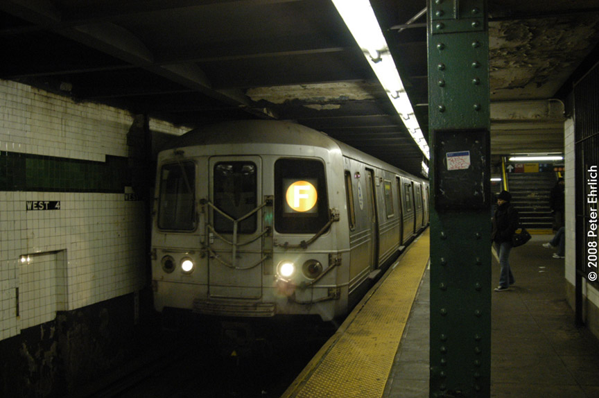 (149k, 864x574)<br><b>Country:</b> United States<br><b>City:</b> New York<br><b>System:</b> New York City Transit<br><b>Line:</b> IND 6th Avenue Line<br><b>Location:</b> West 4th Street/Washington Square <br><b>Route:</b> F<br><b>Car:</b> R-46 (Pullman-Standard, 1974-75) 6188 <br><b>Photo by:</b> Peter Ehrlich<br><b>Date:</b> 1/3/2008<br><b>Notes:</b> West 4th Street northbound.<br><b>Viewed (this week/total):</b> 1 / 1481