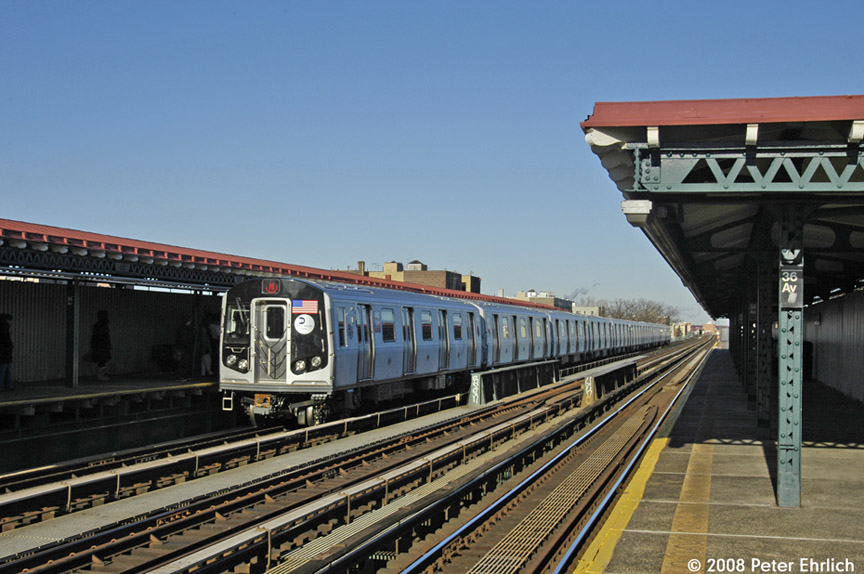(185k, 864x574)<br><b>Country:</b> United States<br><b>City:</b> New York<br><b>System:</b> New York City Transit<br><b>Line:</b> BMT Astoria Line<br><b>Location:</b> 36th/Washington Aves. <br><b>Route:</b> N<br><b>Car:</b> R-160B (Kawasaki, 2005-2008)  8868 <br><b>Photo by:</b> Peter Ehrlich<br><b>Date:</b> 1/3/2008<br><b>Notes:</b> Arriving 36th Avenue inbound.<br><b>Viewed (this week/total):</b> 5 / 1533