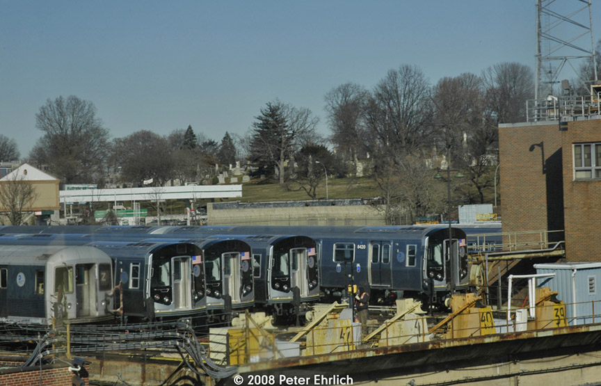 (188k, 864x555)<br><b>Country:</b> United States<br><b>City:</b> New York<br><b>System:</b> New York City Transit<br><b>Location:</b> East New York Yard/Shops<br><b>Photo by:</b> Peter Ehrlich<br><b>Date:</b> 1/3/2008<br><b>Viewed (this week/total):</b> 0 / 632