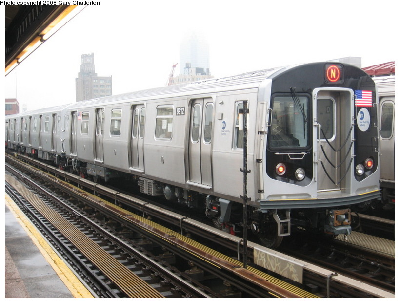 (138k, 820x620)<br><b>Country:</b> United States<br><b>City:</b> New York<br><b>System:</b> New York City Transit<br><b>Line:</b> BMT Astoria Line<br><b>Location:</b> 39th/Beebe Aves. <br><b>Route:</b> Testing<br><b>Car:</b> R-160B (Kawasaki, 2005-2008)  8912 <br><b>Photo by:</b> Gary Chatterton<br><b>Date:</b> 12/27/2007<br><b>Viewed (this week/total):</b> 2 / 1330