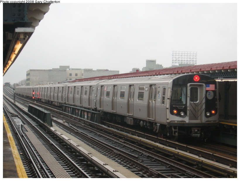 (125k, 820x620)<br><b>Country:</b> United States<br><b>City:</b> New York<br><b>System:</b> New York City Transit<br><b>Line:</b> BMT Astoria Line<br><b>Location:</b> 39th/Beebe Aves. <br><b>Route:</b> N<br><b>Car:</b> R-160B (Kawasaki, 2005-2008)  8807 <br><b>Photo by:</b> Gary Chatterton<br><b>Date:</b> 12/27/2007<br><b>Viewed (this week/total):</b> 1 / 1759