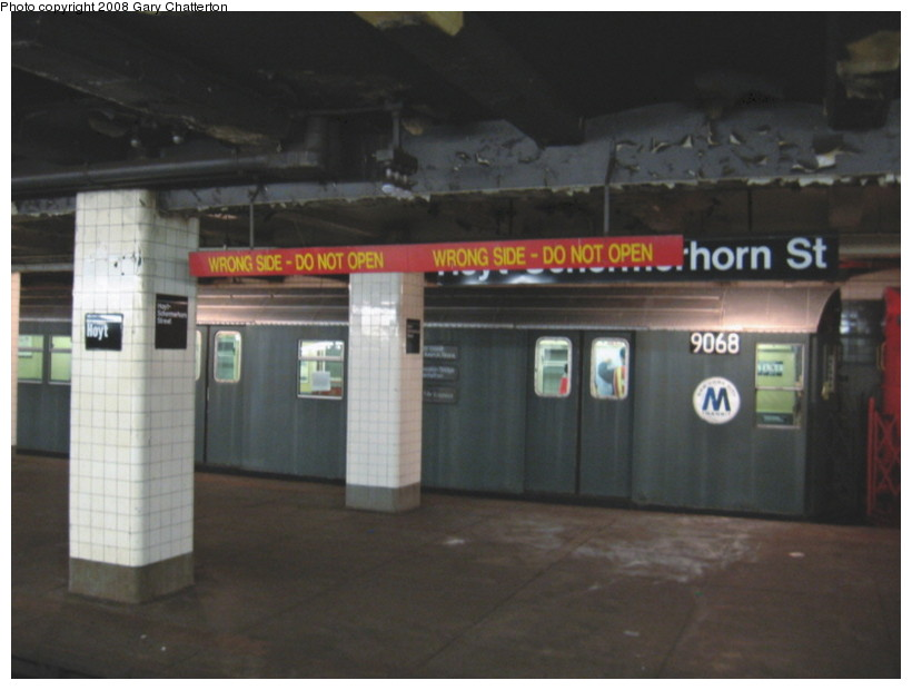 (95k, 820x620)<br><b>Country:</b> United States<br><b>City:</b> New York<br><b>System:</b> New York City Transit<br><b>Line:</b> IND Fulton Street Line<br><b>Location:</b> Hoyt-Schermerhorn Street <br><b>Route:</b> Museum move.<br><b>Car:</b> R-33 Main Line (St. Louis, 1962-63) 9068 <br><b>Photo by:</b> Gary Chatterton<br><b>Date:</b> 1/10/2008<br><b>Viewed (this week/total):</b> 0 / 2959