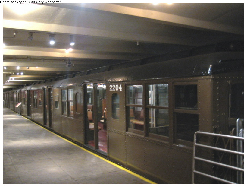 (111k, 820x620)<br><b>Country:</b> United States<br><b>City:</b> New York<br><b>System:</b> New York City Transit<br><b>Location:</b> New York Transit Museum<br><b>Car:</b> BMT A/B-Type Standard 2204 <br><b>Photo by:</b> Gary Chatterton<br><b>Date:</b> 1/10/2008<br><b>Viewed (this week/total):</b> 0 / 1781