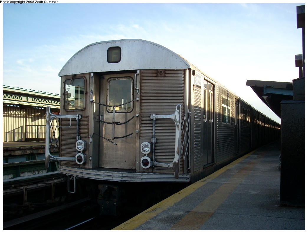 (225k, 1044x788)<br><b>Country:</b> United States<br><b>City:</b> New York<br><b>System:</b> New York City Transit<br><b>Line:</b> BMT Culver Line<br><b>Location:</b> Ditmas Avenue <br><b>Route:</b> F<br><b>Car:</b> R-32 (Budd, 1964)  3825 <br><b>Photo by:</b> Zach Summer<br><b>Date:</b> 12/15/2007<br><b>Viewed (this week/total):</b> 1 / 1902