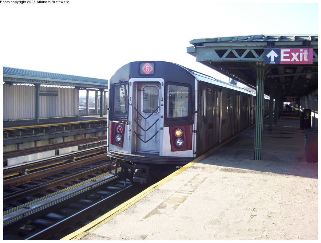 (222k, 1044x791)<br><b>Country:</b> United States<br><b>City:</b> New York<br><b>System:</b> New York City Transit<br><b>Line:</b> IRT Pelham Line<br><b>Location:</b> Westchester Square <br><b>Route:</b> 6<br><b>Car:</b> R-142A (Option Order, Kawasaki, 2002-2003)  7656 <br><b>Photo by:</b> Aliandro Brathwaite<br><b>Date:</b> 12/31/2007<br><b>Viewed (this week/total):</b> 0 / 2220