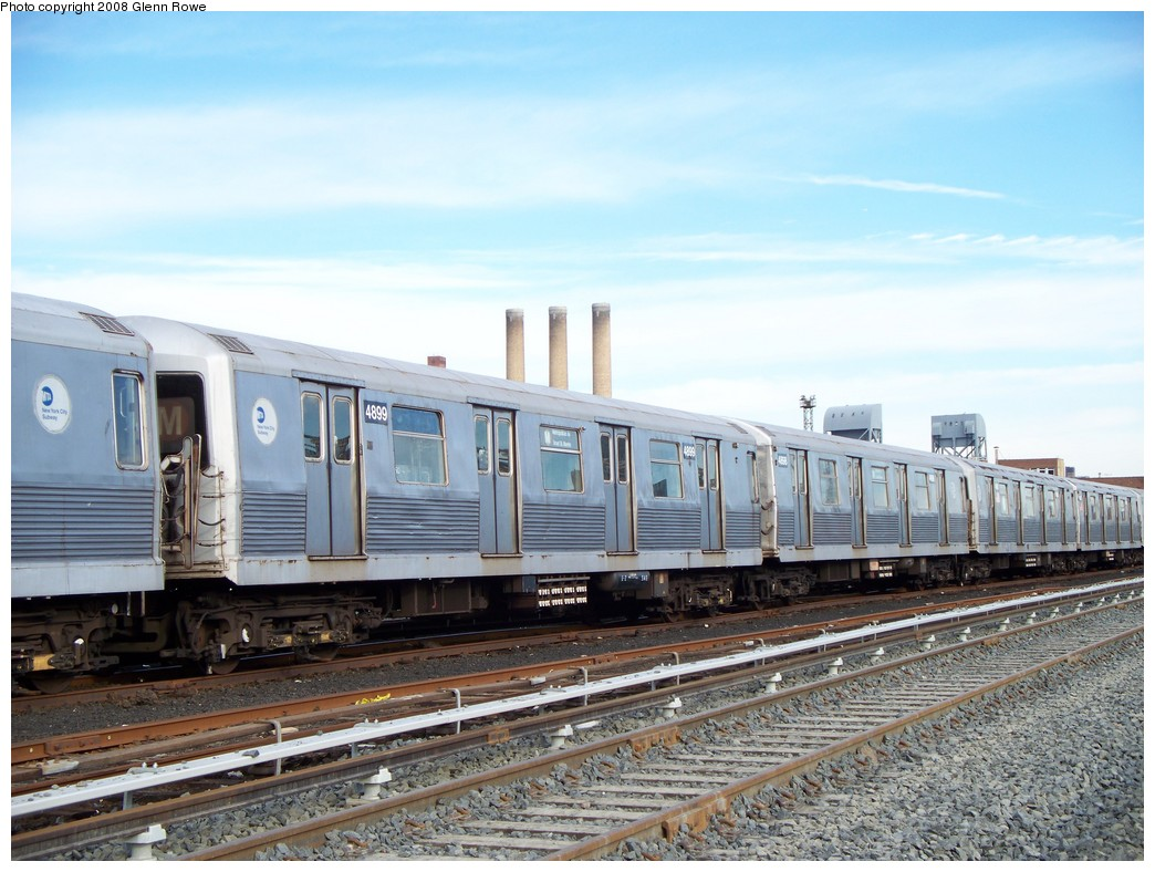 (221k, 1044x788)<br><b>Country:</b> United States<br><b>City:</b> New York<br><b>System:</b> New York City Transit<br><b>Location:</b> 207th Street Yard<br><b>Car:</b> R-42 (St. Louis, 1969-1970)  4899 <br><b>Photo by:</b> Glenn L. Rowe<br><b>Date:</b> 1/17/2008<br><b>Viewed (this week/total):</b> 0 / 1609