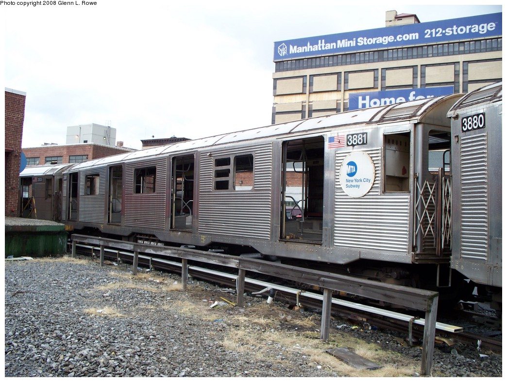 (272k, 1044x788)<br><b>Country:</b> United States<br><b>City:</b> New York<br><b>System:</b> New York City Transit<br><b>Location:</b> 207th Street Yard<br><b>Car:</b> R-32 (GE Rebuild) 3881 <br><b>Photo by:</b> Glenn L. Rowe<br><b>Date:</b> 1/30/2008<br><b>Viewed (this week/total):</b> 1 / 1534