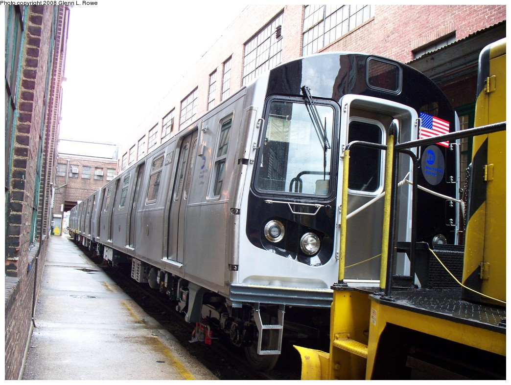 (258k, 1044x788)<br><b>Country:</b> United States<br><b>City:</b> New York<br><b>System:</b> New York City Transit<br><b>Location:</b> 207th Street Yard<br><b>Car:</b> R-160B (Kawasaki, 2005-2008)  8942 <br><b>Photo by:</b> Glenn L. Rowe<br><b>Date:</b> 1/30/2008<br><b>Viewed (this week/total):</b> 0 / 2975